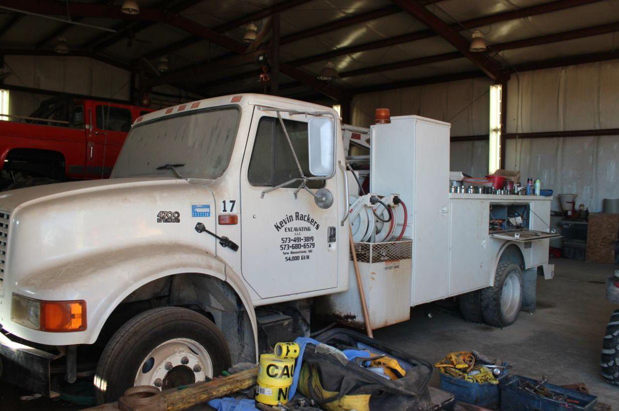 Rackers Service Truck 1